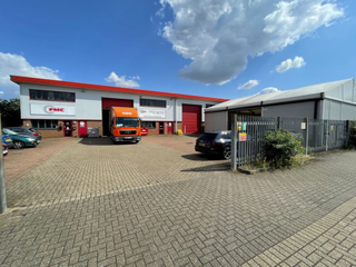 Primary photo of Units 6-12, Eden Way, Pages Industrial Park, Leighton Buzzard