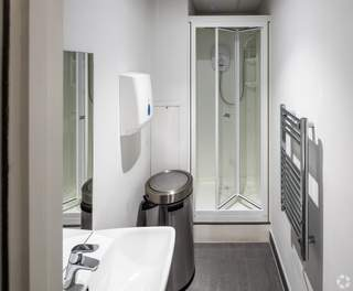 Shower Room in Parking Garage - Grosvenor House, Redhill - Office for rent - 11,700 to 41,042 sq ft
