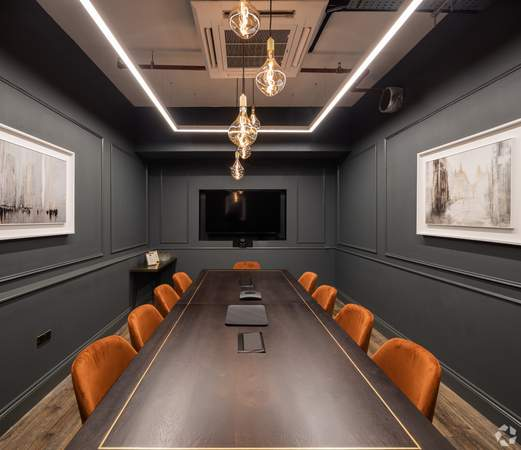 2nd Floor Boardroom - Broad Street Mall / Quadrant House, Broad Street Mall, Reading - Co-working space for rent - 291 to 5,194 sq ft