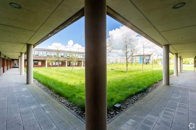 Ground Floor Courtyard - Basepoint Business And Innovation Centre, Butterfield Technical Park, Luton - Co-working space for rent - 50 to 53,980 sq ft