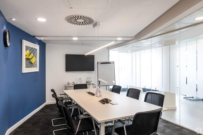 Meeting Room - The Henley Building, Henley On Thames - Co-working space for rent - 50 to 17,787 sq ft