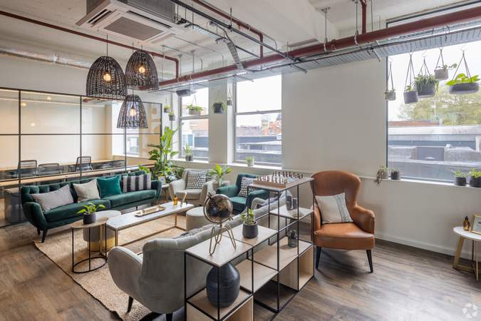 2nd Floor Co Working Space - Broad Street Mall / Quadrant House, Broad Street Mall, Reading - Co-working space for rent - 291 to 5,194 sq ft