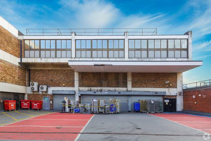 Building Photo - 74-76A New Rd, Gravesend - Shop for rent - 35,456 sq ft