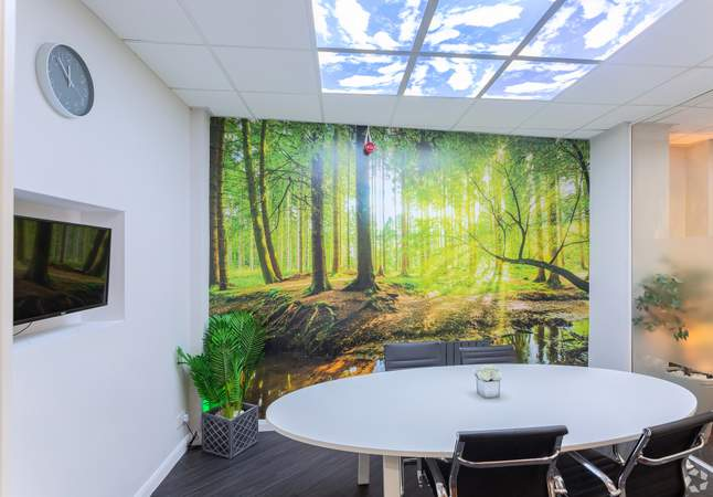 Meeting Room - St Nicholas Court, Nottingham - Office for rent - 100 to 12,500 sq ft