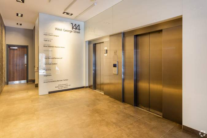 Elevators - James Sellars House, Glasgow - Office for rent - 3,595 to 7,718 sq ft