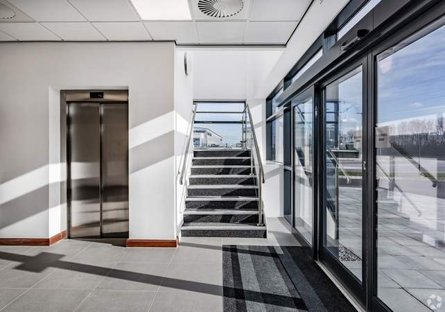 Lift & Stairs - Omega88, Warrington - Industrial unit for rent - 88,285 sq ft