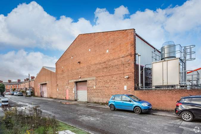 Drive in Door View - Erasteel Stubs Ltd, Warrington - Industrial unit for sale - 40,903 sq ft