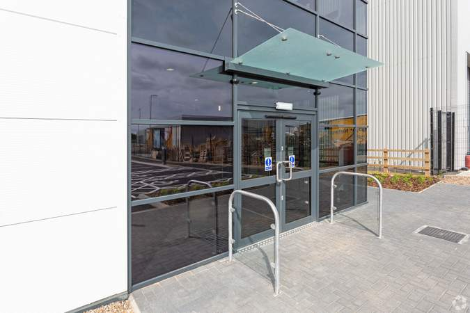 Entrance - L34, Electric Ave, St Modwen Park Lincoln, Lincoln - Industrial unit for rent - 33,738 to 33,631 sq ft