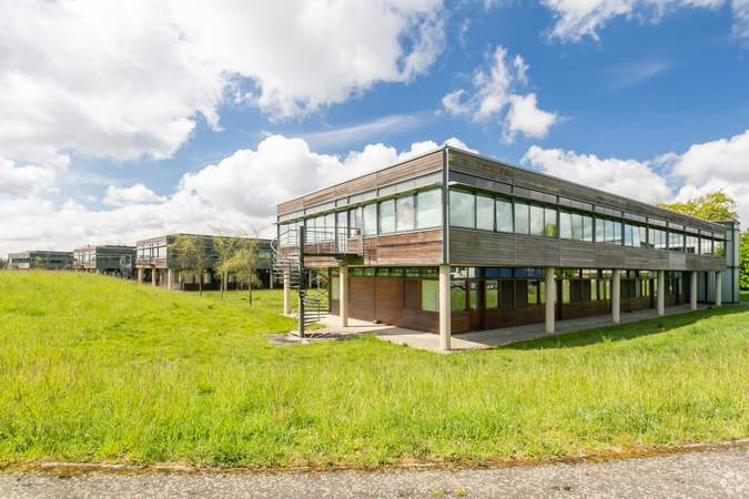 Primary Photo - Basepoint Business And Innovation Centre, Butterfield Technical Park, Luton - Co-working space for rent - 50 to 53,980 sq ft