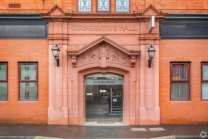 Enterance - Victoria House, Widnes - Office for rent - 1,173 sq ft
