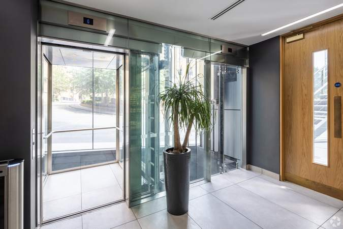 Lifts - The Blade, Reading - Office for rent - 50 to 8,407 sq ft