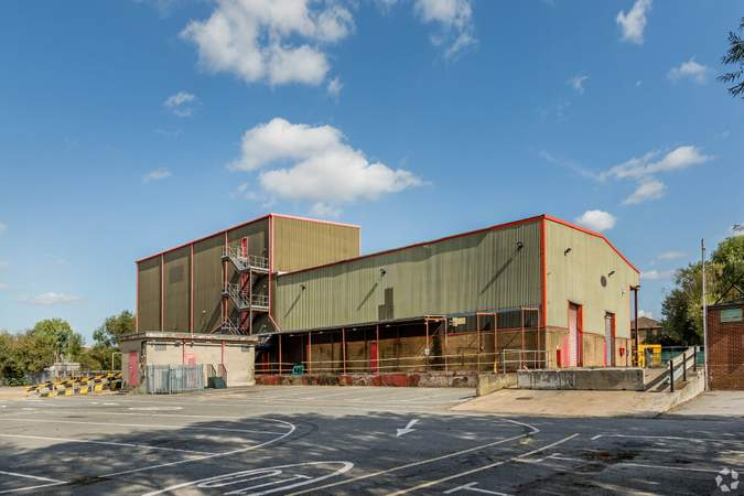 Primary Photo - Former FM Conway Yard, Belvedere - Industrial unit for rent - 7,880 to 19,208 sq ft