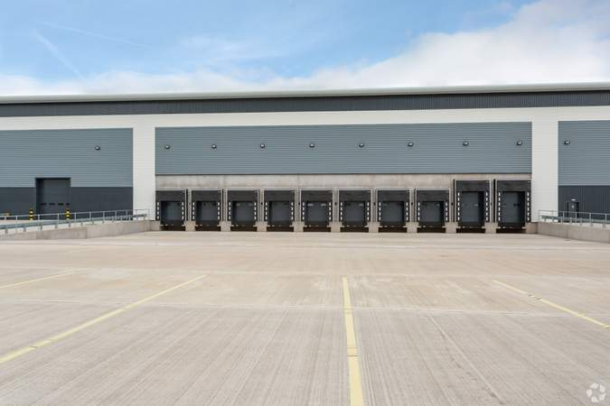 Loading Docks - Lichfield Rd, Burton On Trent - Industrial unit for sale - 103,069 sq ft