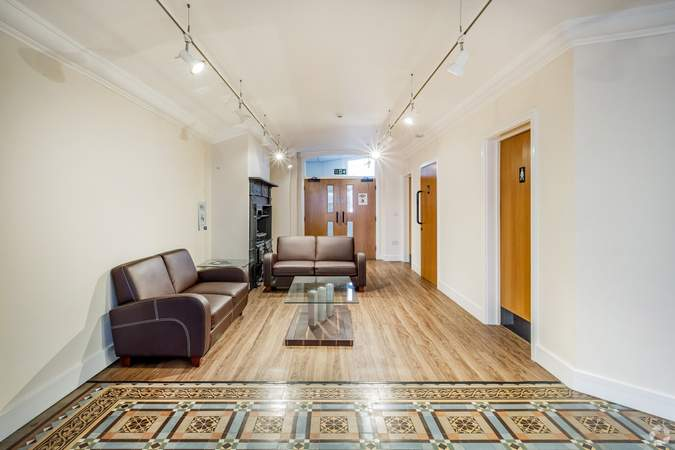 First Floor Waiting Area - Victoria House, Widnes - Office for rent - 1,173 sq ft