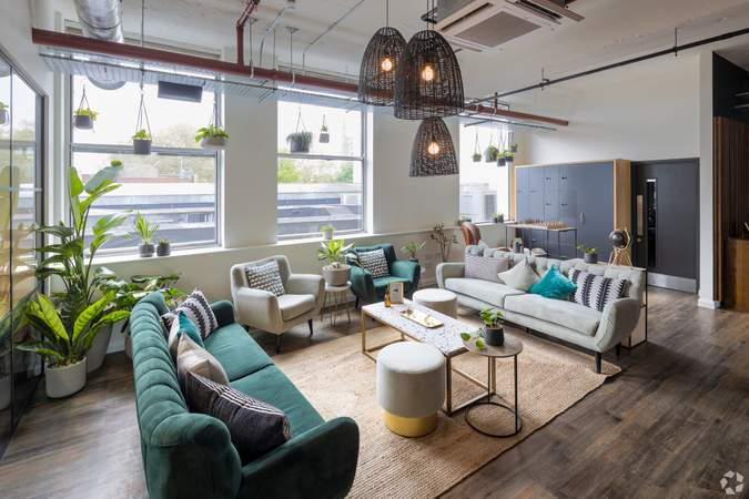 1st Floor Co Working Space - Broad Street Mall / Quadrant House, Broad Street Mall, Reading - Co-working space for rent - 291 to 5,194 sq ft