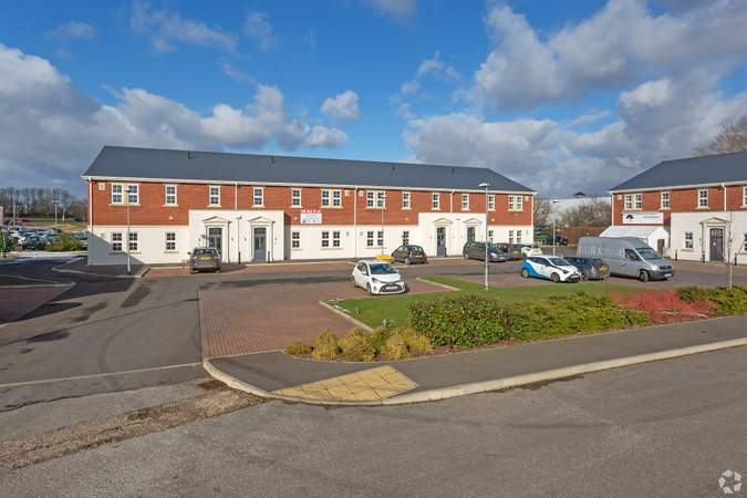 Building Photo - Units 3-6, Blossom Ave, Grimsby - Office for sale - 6,345 sq ft