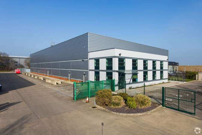 Building Photo - Gatwick 30, Unit 200, Crawley - Industrial unit for rent - 3,341 to 30,395 sq ft