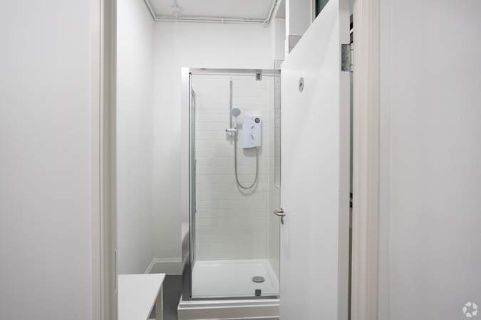 Basement Shower Room - 63 Temple Row, Birmingham - Office for rent - 4,152 to 8,308 sq ft
