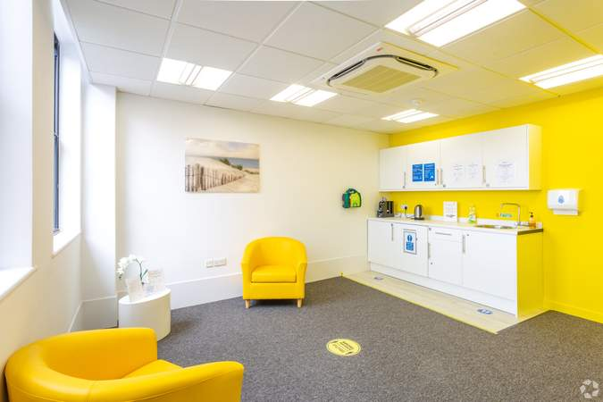 3rd floor kitchen - Conway House, Gloucester - Co-working space for rent - 50 to 17,516 sq ft