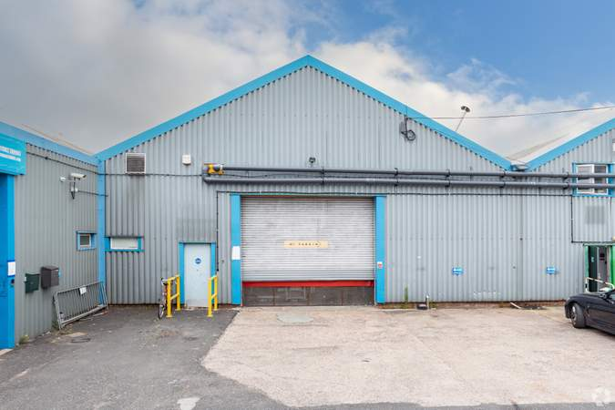 Unit 7 - Stafford Court, Units 1-11, Wolverhampton - Industrial unit for rent - 5,000 to 7,600 sq ft