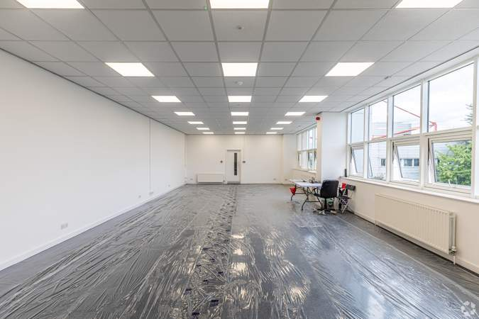 Office Space - 64-66 Alpine Way, London - Industrial unit for rent - 27,866 sq ft
