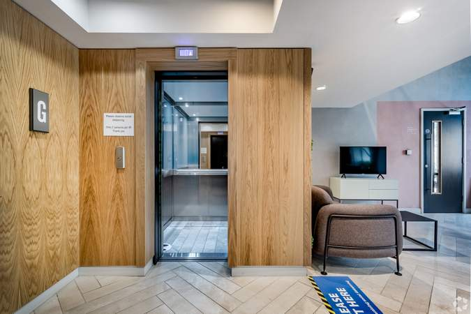 Ground Floor Lift Area - ICE Building, Salford - Office for rent - 4,010 to 9,222 sq ft