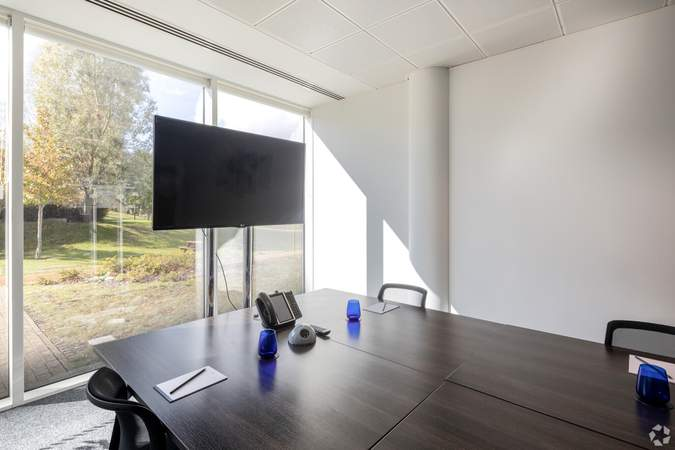 Meeting Room - 450 Brook Dr, Reading - Serviced office for rent - 50 to 2,645 sq ft