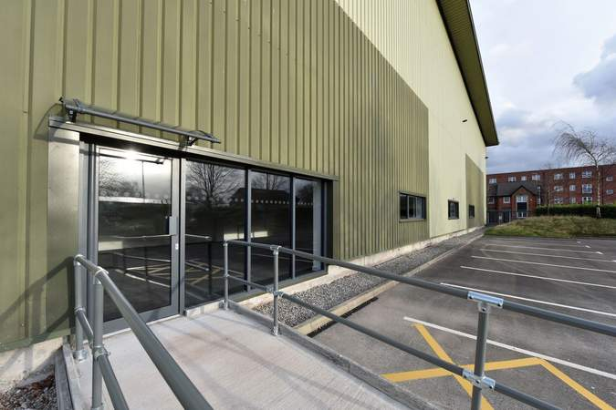 Office Access - Howley 80, Warrington - Industrial unit for rent - 78,621 sq ft