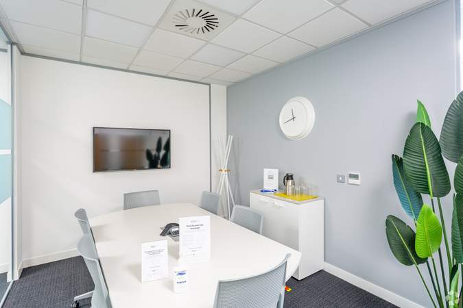 Killerton Meeting Room - The Senate, Exeter - Co-working space for rent - 50 to 14,530 sq ft