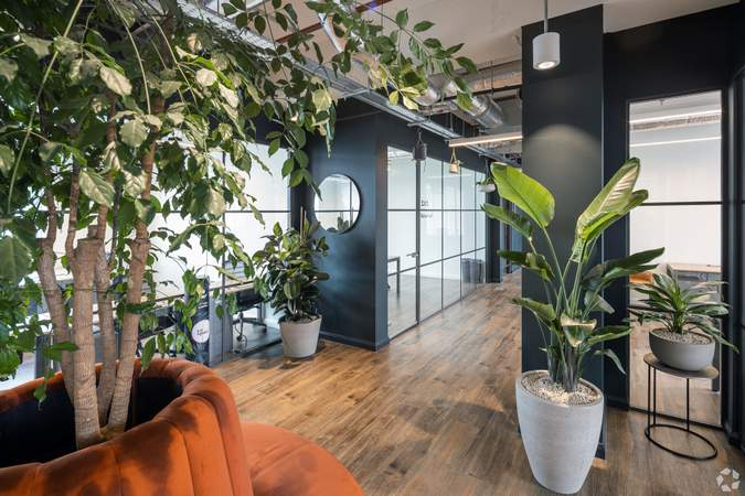 2nd Floor Office Space - Broad Street Mall / Quadrant House, Broad Street Mall, Reading - Co-working space for rent - 291 to 5,194 sq ft