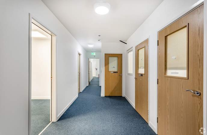 1st Floor : Coridor - St Andrews Business Centre, Liverpool - Office for rent - 68 to 135 sq ft