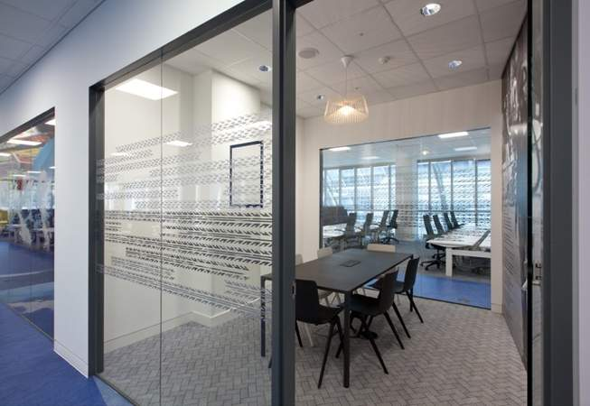 Interior Photo - Exchange Tower, London - Office for rent - 10,049 to 15,918 sq ft
