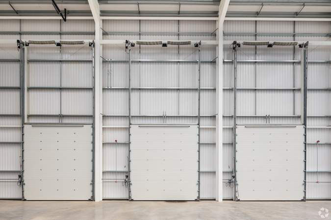 Roller shutter doors x3 - Gatwick 33, Crawley - Industrial unit for rent - 33,294 to 33,258 sq ft