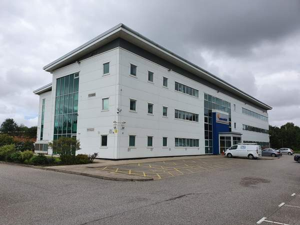 Primary Photo - 3 Wight Moss Way, Southport - Office for rent - 1,240 to 17,127 sq ft