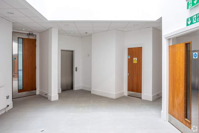 Ground Floor Elevator - Bermuda House, Castle Business Park, Stirling - Office for rent - 10,000 to 20,496 sq ft