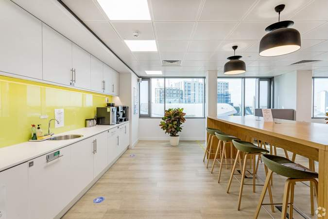 Communal Kitchen - Vantage London, Brentford - Co-working space for rent - 50 to 17,086 sq ft