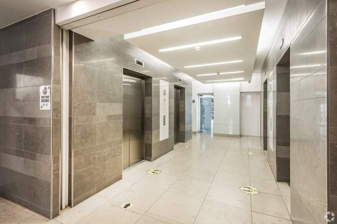 Ground floor Lobby - Lifts - 82 King St, Manchester - Serviced office for rent - 50 to 22,557 sq ft