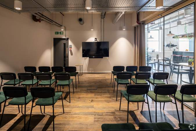 2nd Floor Presentation Space - Broad Street Mall / Quadrant House, Broad Street Mall, Reading - Co-working space for rent - 291 to 5,194 sq ft