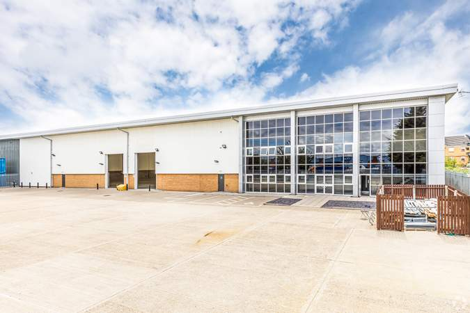 Primary Photo - 64-66 Alpine Way, London - Industrial unit for rent - 27,866 sq ft