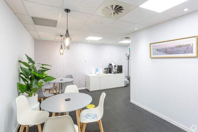 Office - Regus House, Cardiff - Serviced office for rent - 50 to 22,998 sq ft