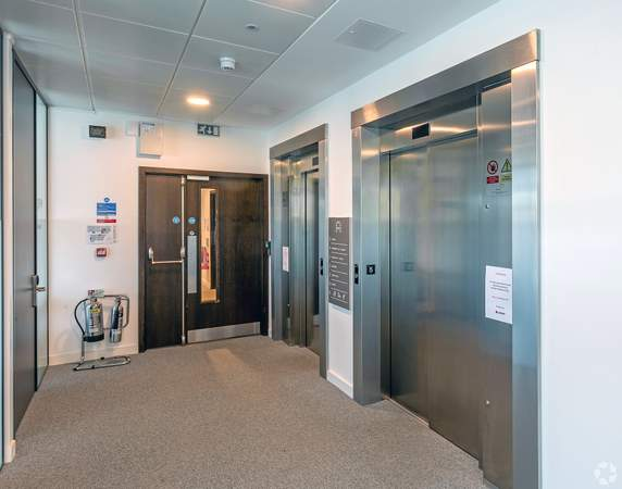 Elevator - Acero, Sheffield - Serviced office for rent - 50 to 15,000 sq ft