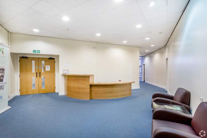 Reception Area - Victoria House, Widnes - Office for rent - 1,173 sq ft