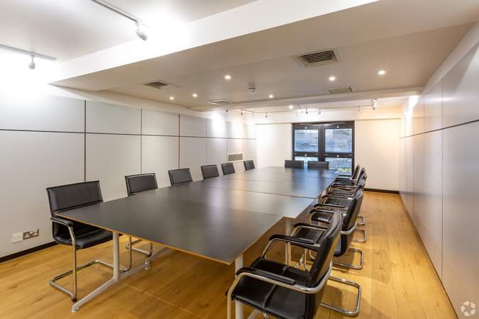 Conference Room - Whitefriars, Bristol - Office for rent - 1,351 to 3,172 sq ft