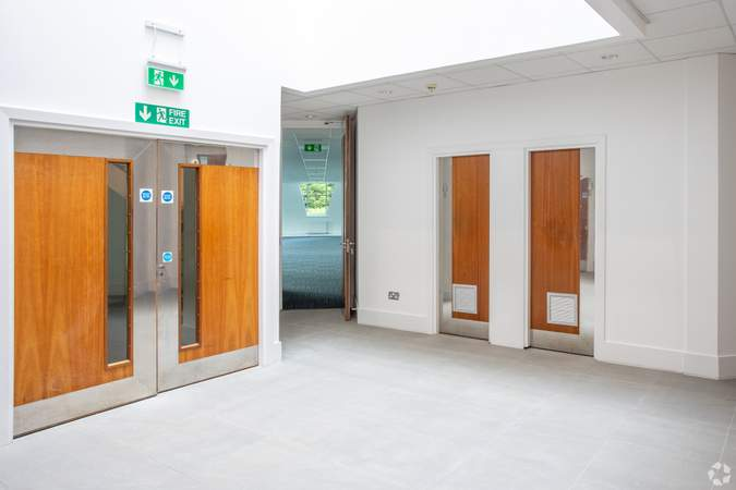 Ground Floor Atrium - Bermuda House, Castle Business Park, Stirling - Office for rent - 10,000 to 20,496 sq ft