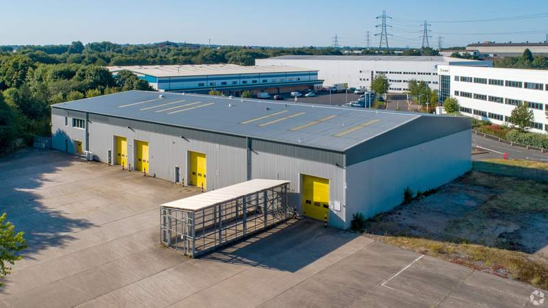 Building Photo - Direct House, Oldbury - Industrial unit for rent - 27,484 sq ft