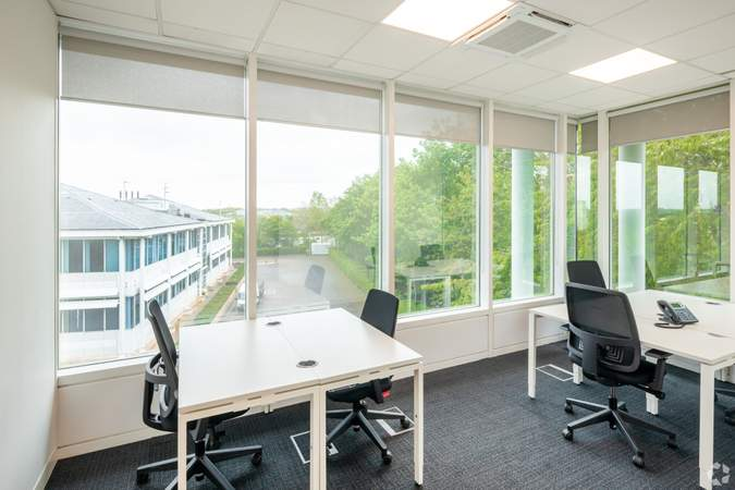 Office - 1st Floor - 400 Pavilion Dr, Northampton - Co-working space for rent - 200 to 22,326 sq ft