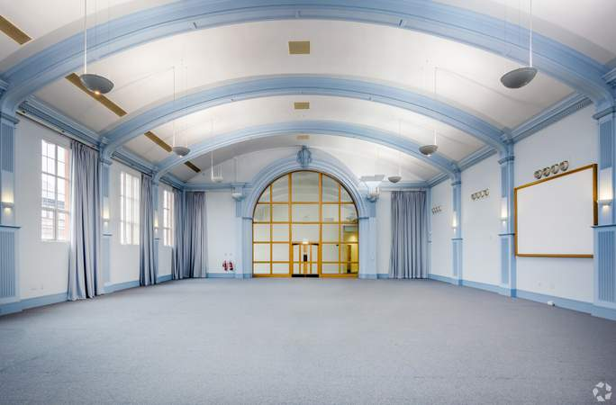 Main Hall - Victoria House, Widnes - Office for rent - 1,173 sq ft