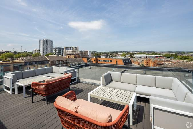 Rooftop Terrace - The Brick Works, Reading - Office for rent - 3,358 to 11,840 sq ft