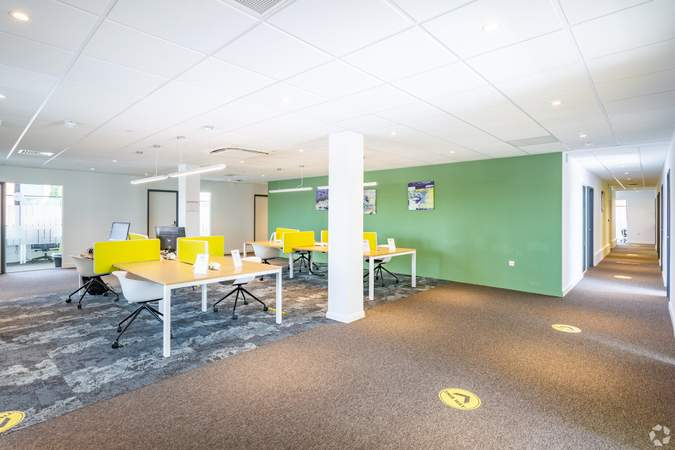 2nd floor co-working area - Conway House, Gloucester - Co-working space for rent - 50 to 17,516 sq ft