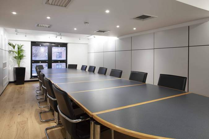 Meeting Room - Whitefriars, Bristol - Office for rent - 1,351 to 3,172 sq ft